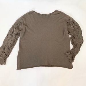 Fitigues Taupe Gray 100% Cashmere Crochet Sleeve